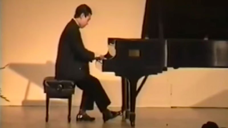 Hyung-ki Joo plays Bach Fugue in G Minor Book II