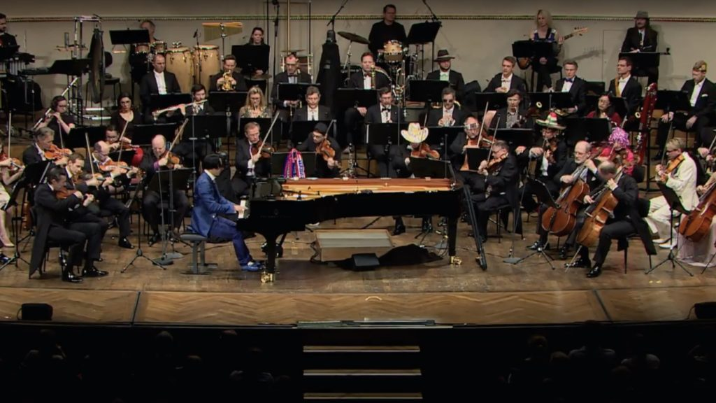 Hyung-ki Joo Plays and Conducts Ravel Piano Concerto- Third Movement